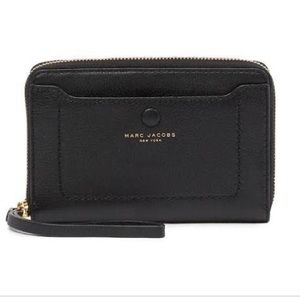 Marc Jacobs Bags - Marc Jacobs Black Leather Phone Zip Wristlet
